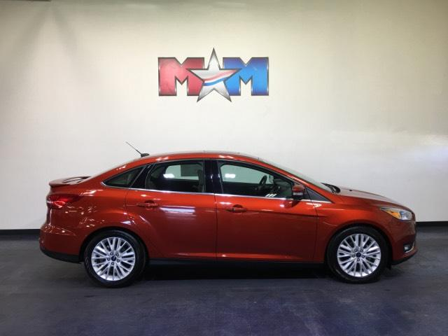 Pre-Owned 2018 Ford Focus Titanium Sedan FWD 4dr Car