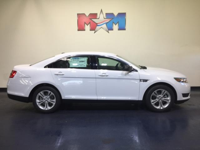 New  Ford Taurus Se Fwd