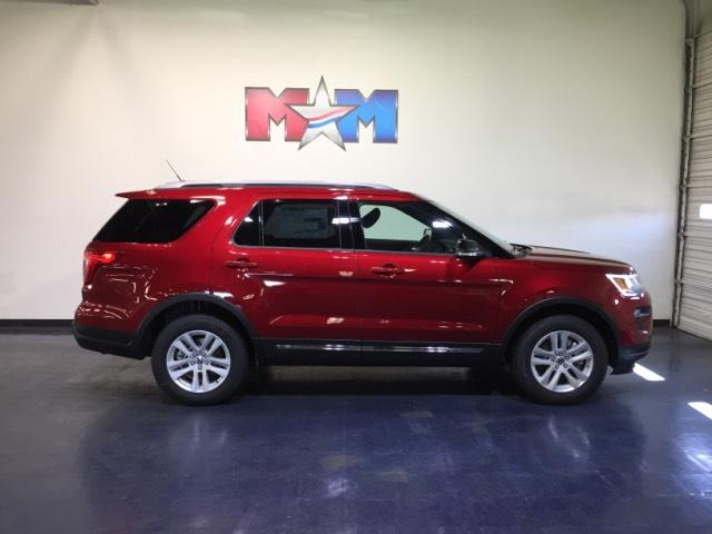 New 2018 Ford Explorer XLT 4WD With Navigation