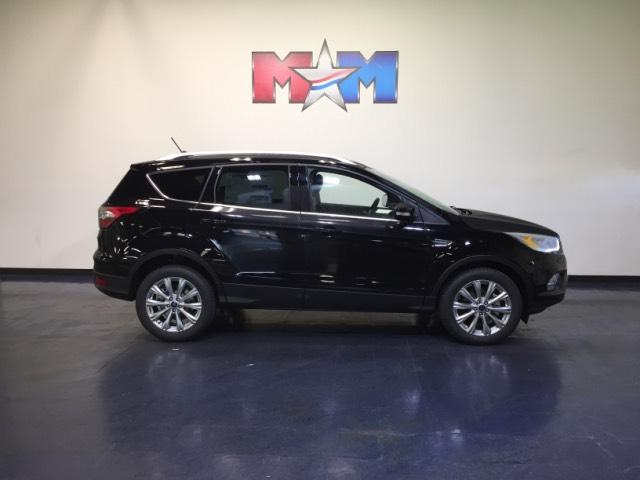 New 2018 Ford Escape Titanium 4WD With Navigation & 4WD