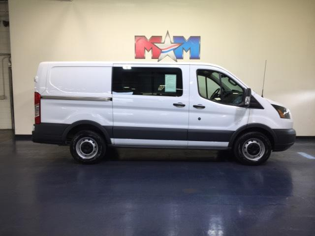 Pre-Owned 2015 Ford Transit T-150 130 Low Rf 8600 GVWR Sliding RWD Mini-van, Cargo