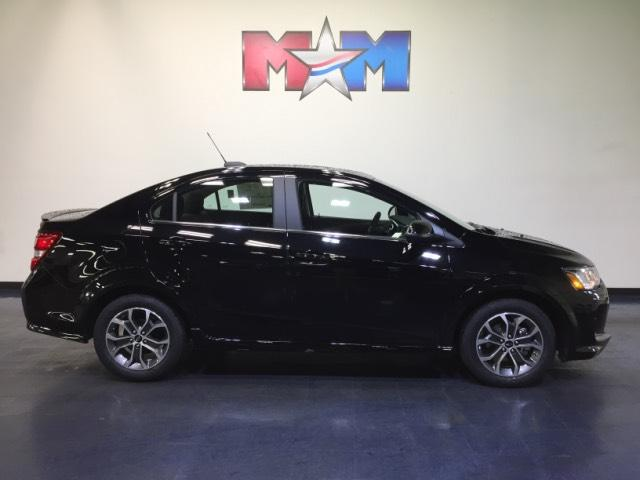 New 2018 Chevrolet Sonic 4dr Sdn Auto LT