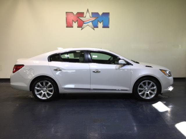 Pre-Owned 2015 Buick LaCrosse 4dr Sdn Premium
