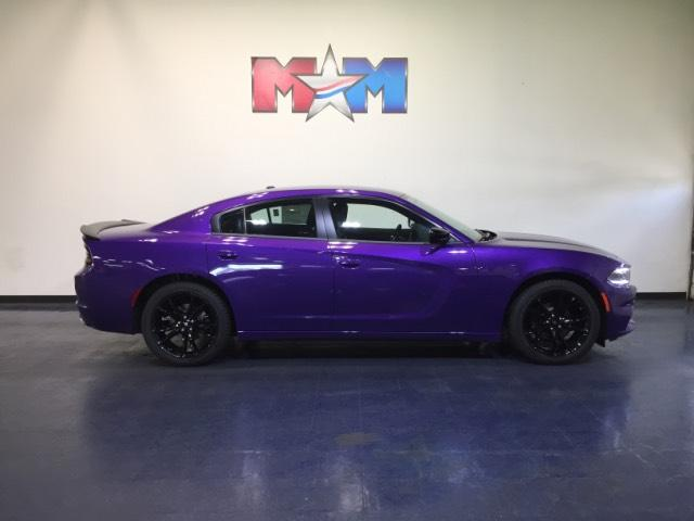 New 2018 Dodge Charger SXT RWD RWD 4dr Car