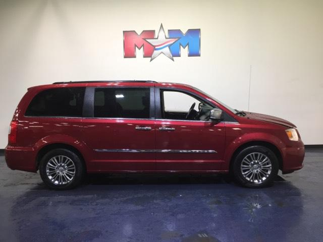 Pre-Owned 2014 Chrysler Town & Country 4dr Wgn Touring-L With Navigation