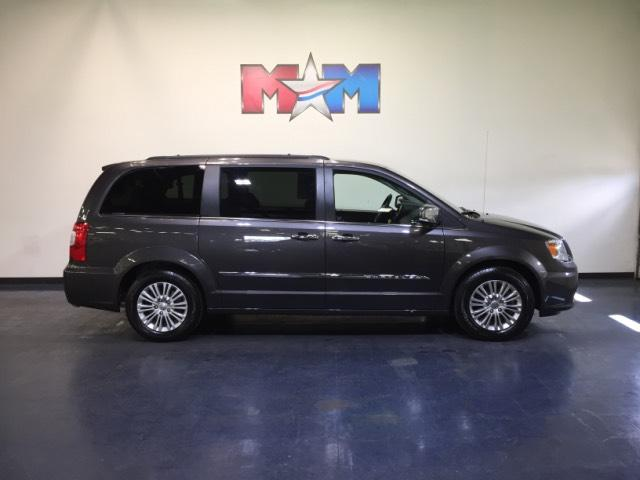 Pre-Owned 2015 Chrysler Town & Country 4dr Wgn Touring-L FWD Mini-van, Passenger