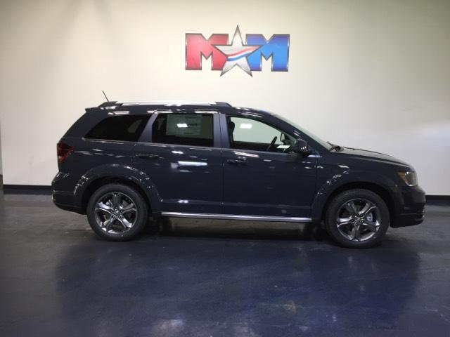 New 2017 Dodge Journey Crossroad Plus AWD With Navigation & AWD