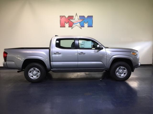 New 2018 Toyota Tacoma SR Double Cab 5' Bed V6 4x4 AT 4WD