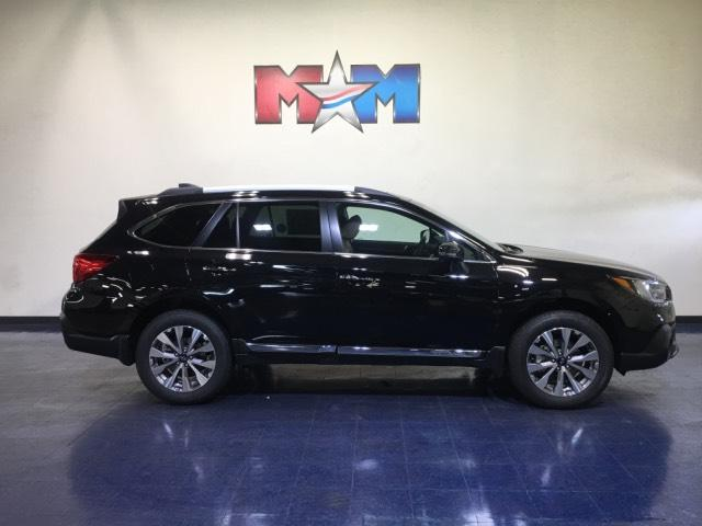 New 2019 Subaru Outback 2.5i Touring With Navigation & AWD