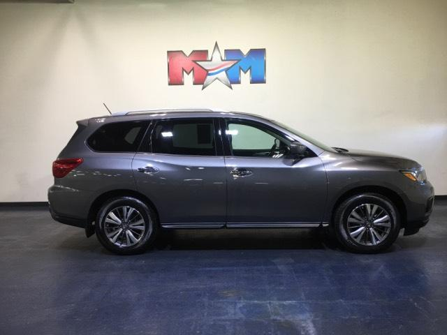 Pre-Owned 2018 Nissan Pathfinder 4x4 SL 4WD