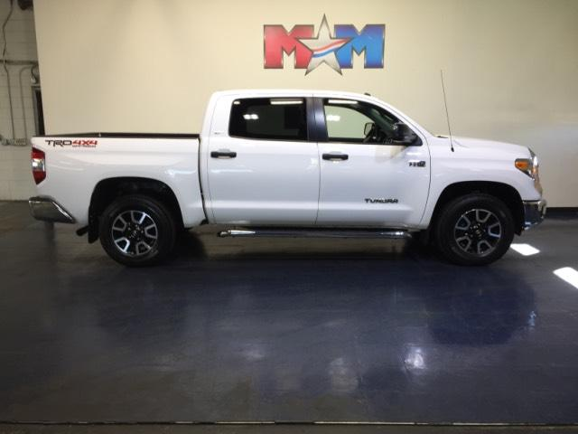 Pre-Owned 2015 Toyota Tundra 4WD CrewMax 5.7L V8 6-Spd AT SR5