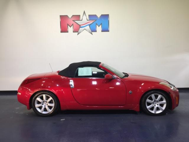 Pre Owned 2004 Nissan 350z 2dr Roadster Touring Manual Convertible