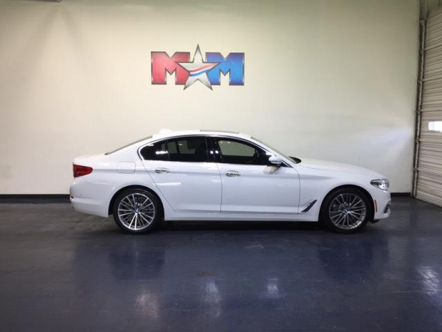 Pre-Owned 2017 BMW 5 Series 530i xDrive Sedan AWD