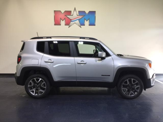 New 2018 Jeep Renegade Latitude 4x4 With Navigation