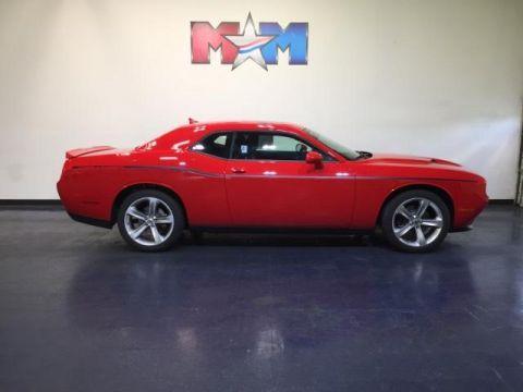 New 2018 Dodge Challenger SXT RWD