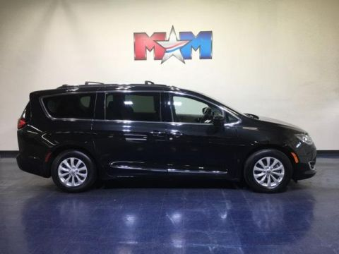 Pre-Owned 2018 Chrysler Pacifica Touring L FWD