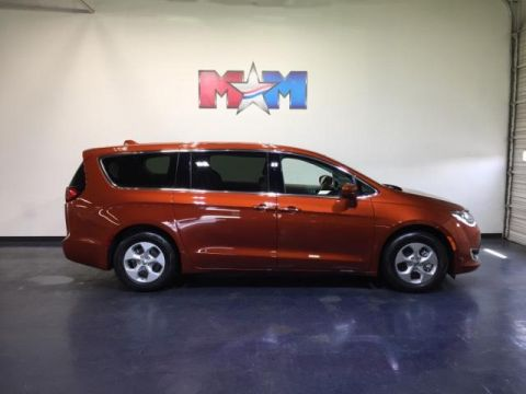 New 2018 Chrysler Pacifica Hybrid Touring Plus FWD