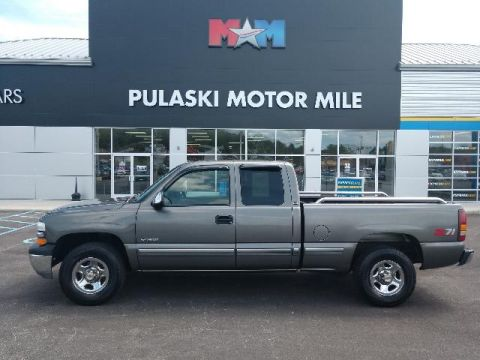 Pre-Owned 2000 Chevrolet Silverado 1500 3dr Ext Cab 143.5 WB 4WD LS