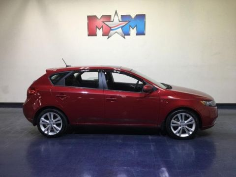 Pre-Owned 2011 Kia Forte 5-Door 5dr HB Auto SX